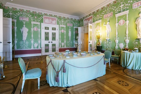Russian palace: SAINT PETERSBURG, RUSSIA - MARCH 17, 2016: Interior of the Catherine Palace in Tsarskoye Selo (Pushkin). It was summer residence of the Russian tsars, now it is a museum Editorial