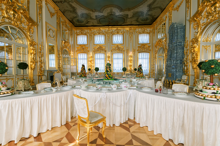 summer residence: SAINT PETERSBURG, RUSSIA - MARCH 17, 2016: Interior of the Catherine Palace in Tsarskoye Selo (Pushkin). It was the summer residence of the Russian tsars, now it is a famous museum