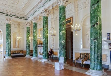 palacio ruso: Pavlovsk, San Petersburgo, Rusia 01 DE OCTUBRE DE, 2016: Interior del palacio de Pavlovsk, residencia imperial rusa construida por Pablo I, que ahora es un museo Editorial