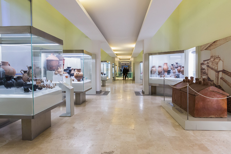 Roma, Italia - 20 marzo 2018: L'interno del Museo Nazionale Etrusco è un museo della civiltà etrusca, ospitato nella Villa Giulia Editoriali