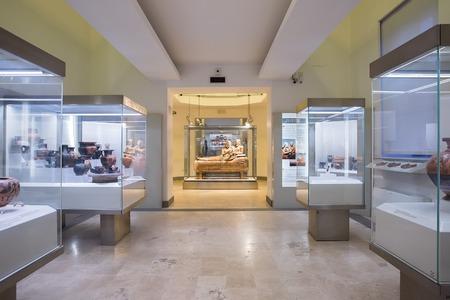 Roma, Italia - 20 marzo 2018: L'interno del Museo Nazionale Etrusco è un museo della civiltà etrusca, ospitato nella Villa Giulia
