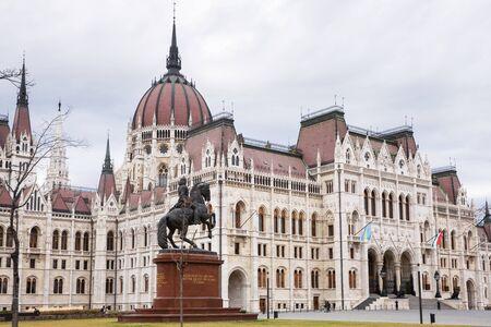 Budapest, Hungary - March 08, 2019: Hungarian parliament building Standard-Bild - 137610267