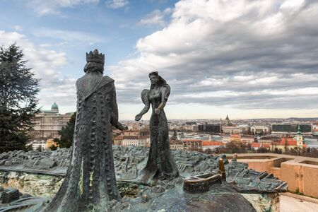 Budapest, Hungary - March 08, 2019:  Sculptures King Buda and Lady Pest on Mount Gellert Standard-Bild - 137610292