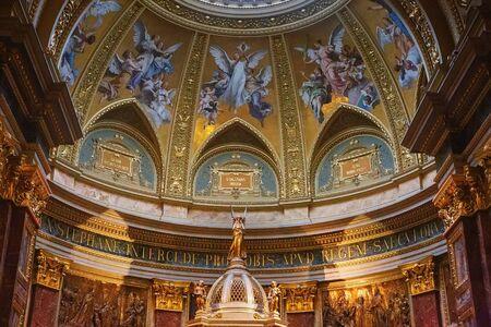 Budapest, Hungary - March 07, 2019: Interior of St. Istvan (St. Stephen's) Basilica Standard-Bild - 137610300