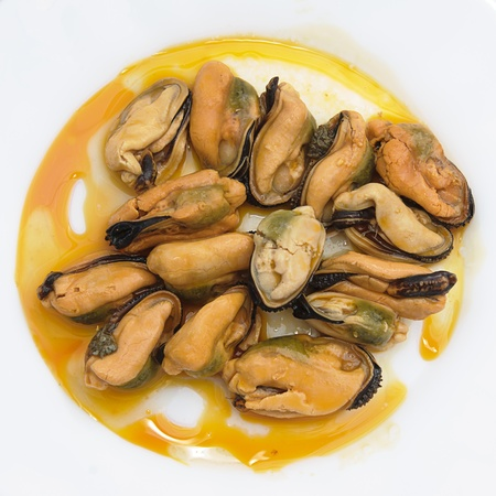 mussels in a white plate