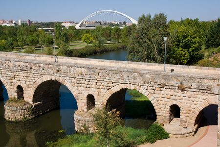 badajoz: Roman bridge in Merida, Badajoz, Extremadura, Spain