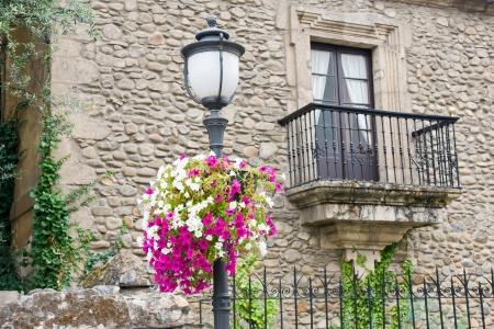balcón de piedra en Ponferrada, León, España