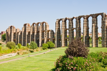 acueducto: Merida, Badajoz, Extremadura, Spain. Aqueduct of the Miracles Stock Photo