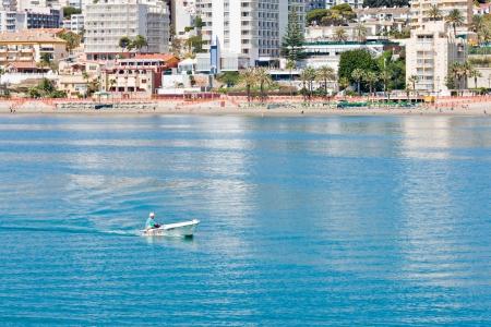 literas: BENALMADENA, ESPA? - 09 de abril: Una vista del Puerto Marina el 09 de abril de 2012 en Benalmadena, M?ga, Espa?Esta marina tiene amarres para barcos 1100. Fue inaugurado en 1987.