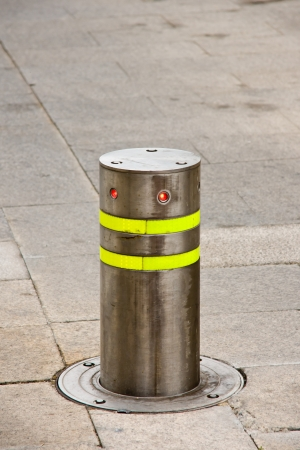 bollards: traffic pivot