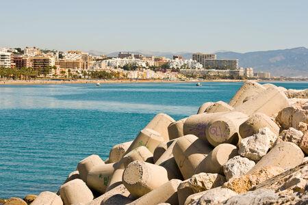 kojen: Benalmadena, Spanien - 9. April: Ein Blick auf Puerto Marina am 09. April 2012 in Benalmadena, Malaga, Spanien. Dieser Seehafen besitzt Liegepl�tze f�r Boote 1100. Er wurde am 1987 er�ffnet.