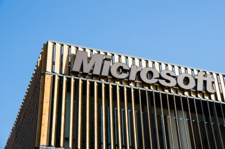 transformed: LISBOA, PORTUGAL - 30 de noviembre: Edificio de Microsoft en el Parque de las Naciones el 30 de noviembre de 2013, de Lisboa, Portugal. Es un �rea que fue transformado para la Exposici�n Mundial de 1998 cerca del r�o Tajo. Editorial