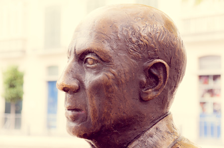 pablo picasso: MALAGA, SPAIN - FEBRUARY 08: Pablo Picasso statue in Merced Square on February 08, 2014 in Malaga, Spain. Pablo Ruiz Pacasso was born in Malaga, founder of cubism. Editorial