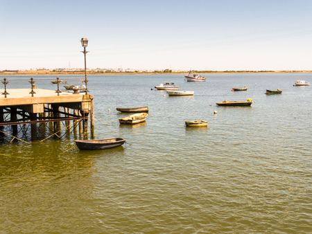 pinta: HUELVA, SPAIN - MAY 30: La Rabida port on May 30, 2015 in Huelva, Spain. This city is in the confluence of the Odiel and Tinto rivers.