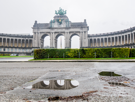 bruxelles: BRUXELLES, BELGIUM - DECEMBER 13: Parc du Cinquantenaire, cloudy weather on December 13 in Bruxelles, Belgium.