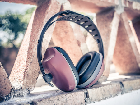muff: ear muff to protect workers ears