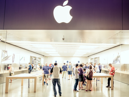 renowned: LAS VEGAS, USA - SEPTEMBER 10: Apple Store on September 10, 2015 in Las Vegas, United States. It is an internationally renowned major resort city known primarily for gambling, shopping, fine dining and nightlife.