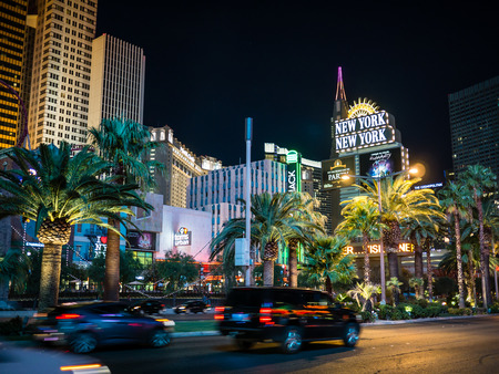 LAS VEGAS, USA - SEPTEMBER 08: Unidentified tourists in the strip on September 08, 2015 in Las Vegas, United States. It is an internationally renowned major resort city known primarily for gambling, shopping, fine dining and nightlife. Redakční