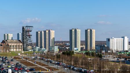 KATOWICE, POLEN - 26 MAART, 2017: Mening van Walenty Rozdzienski District bouwde de jaren 1970-1978 in, plaatselijk genoemd de Sterren als basis van blokken worden ontworpen in de vorm van acht-gerichte sterren.