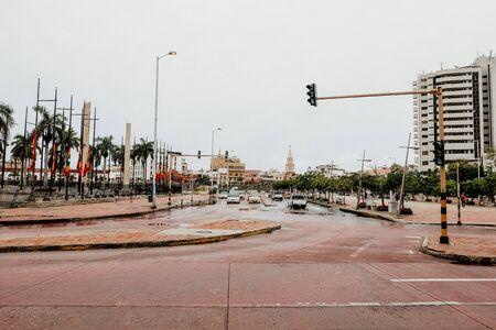 Überflutete Straße in Barranquilla im Norden Kolumbiens