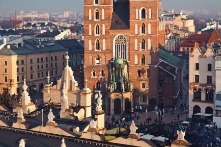 cracovia: St  Mary s church and Sukiennice in Krakow