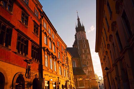cracovia: Saint Mary Basilica and Florianska street in Krakow