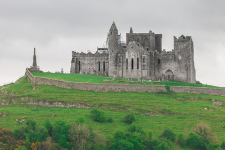 The Rock of Cashel,  also known as St. Patrick's Rock, located in County Tipperary, Ireland 스톡 콘텐츠