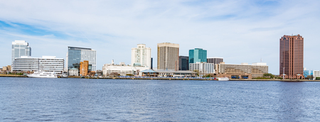 Norfolk, Virginia city skyline across the Elizabeth River Reklamní fotografie - 75465223