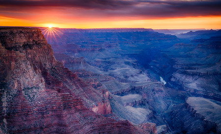 Smoke from wild fires created and amazing sunset at Lipan point along the South Rim in Grand Canyon National Park Zdjęcie Seryjne - 98915075