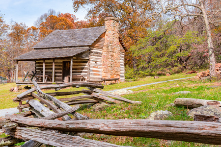 Appalachian Homestead Cabin along the Blue Ridge Parkway in Virginia Standard-Bild