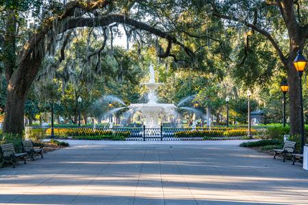Fontanna w parku Forsyth w Savannah, Georgia