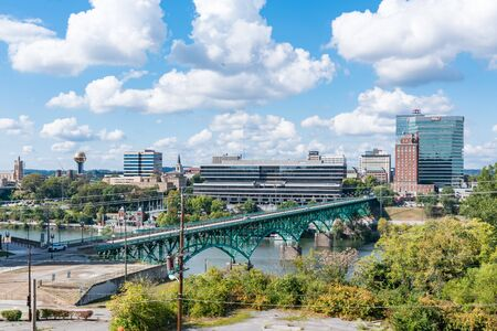 Knoxville, TN - October 9, 2019: City skyline of Knoxville along the Tennessee River Banco de Imagens - 144398392