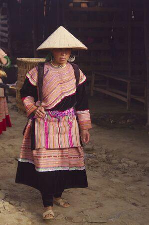 cau: Woman Hmong flower market of Can Cau Stock Photo