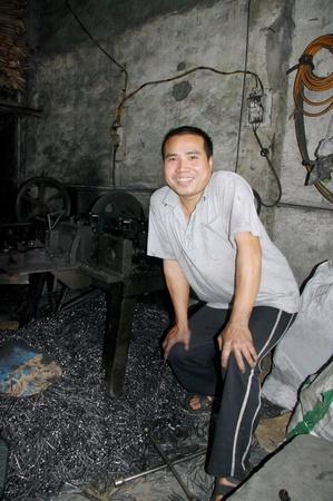 machinerie: artisan fabricant de clous