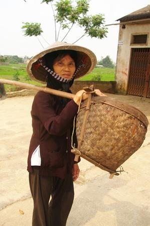 vieille paysanne kinh (viet) photo