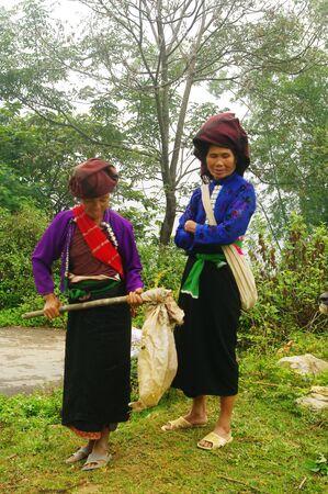 White Khang ethnic women
