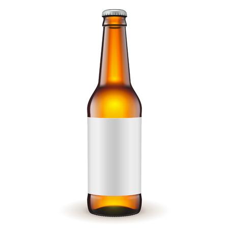 botellas de cerveza: Vidrio de cerveza de Brown botella con la etiqueta en fondo blanco aislado. Listo para su diseño. Embalaje del producto. Vector EPS10