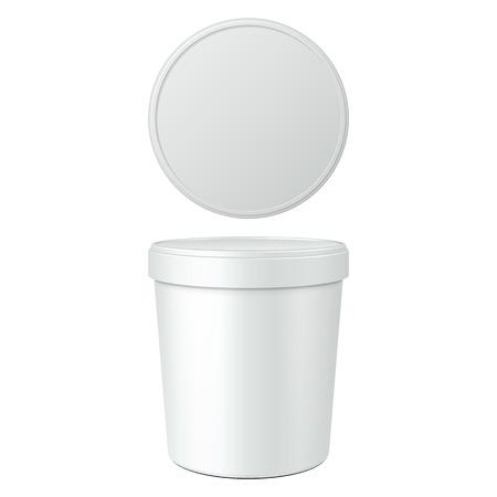 デザート、ヨーグルト、アイスクリーム、サワー クリームやスナックの白い食品プラスチック製の浴槽バケット コンテナーです。白い背景で隔離の