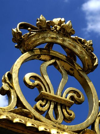 the monarchy: Golden symbol of french monarchy