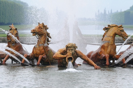 eau: Bassin du Char d'Apollon in the park of Versailles Palace Stock Photo