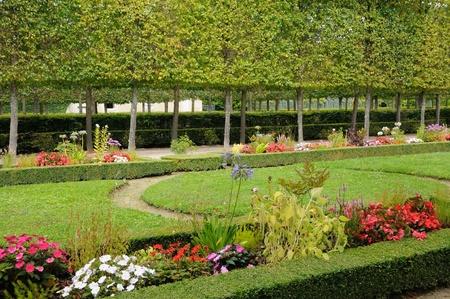 petit: garden of Petit Trianon