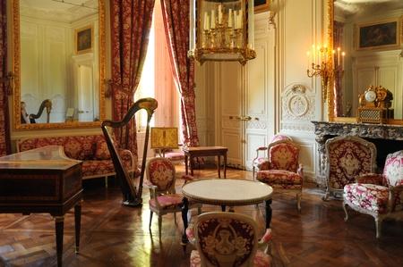 Versailles, een kroonluchter in Le Petit Trianon