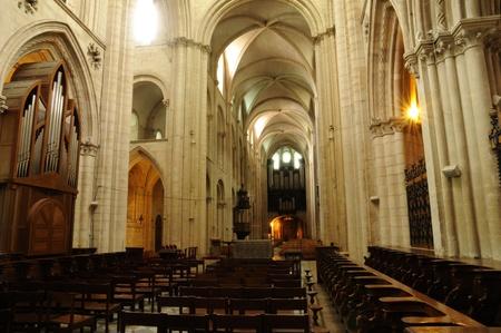 hommes: Caen, la Abbaye aux Hommes en Normand�a