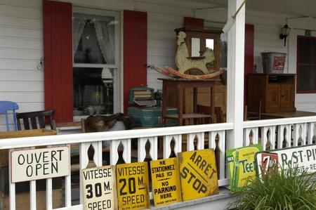 antiquary: Canad�, Quebec, bric a brac comerciante