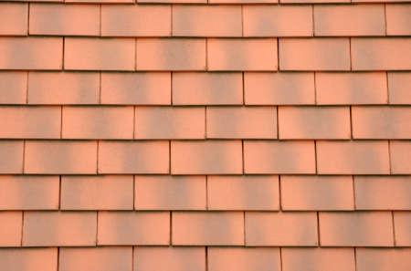 屋根の上のタイルの水平方向の画像 写真素材