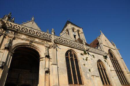 Ile de France, the gothic church of Vetheuil Stock Photo - 12888020