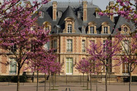 les: France, Yvelines, Becheville castle in Les Mureaux Editorial