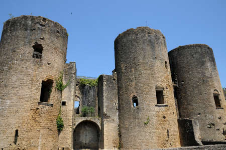 gironde: castle of Villandraut in Gironde