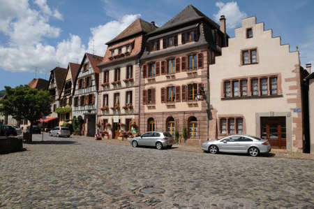 haut rhin: Haut Rhin, el pueblo de Bergheim en Alsacia