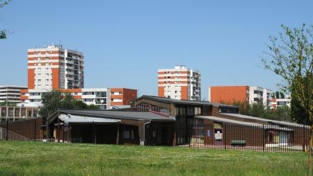 les: France, apartment building in Les Mureaux